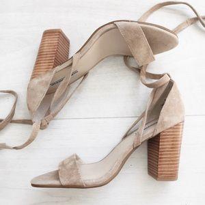 WINDSOR SMITH • Minimal Lace Up Heel